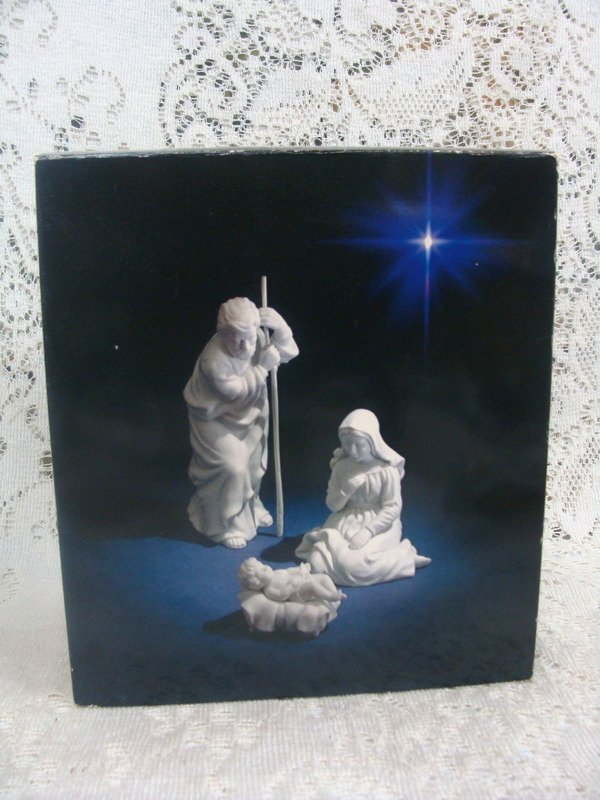 Avon Nativity Collectibles  Holy Family Three Porcelain Figurines