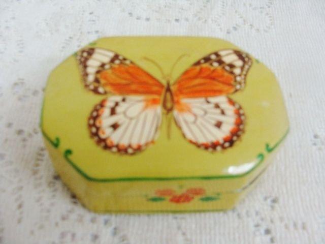 BUTTERFLY PAINTED JEWELRY TRINKET TREASURE BOX