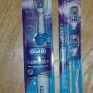 Oral-B 3D White Action Toothbrushe w/ 2 Replacement Heads #104
