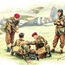 1/35 British paratroopers 1944 Part 2 wounded four nursing body (japan import)