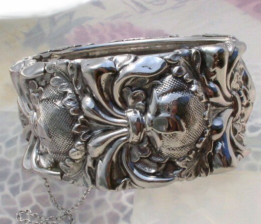 WHITING & DAVIS Vintage WIDE Silver FLORAL Clamp BRACELET