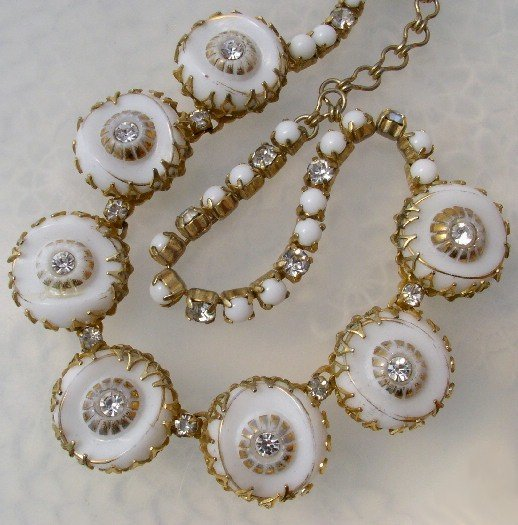 HATTIE CARNEGIE Vintage WHITE GLASS Rhinestone NECKLACE