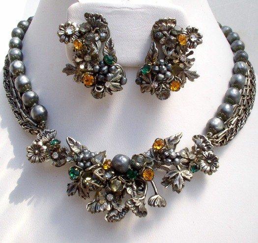 DeMARIO Vintage Faux BAROQUE PEARL Rhinestone NECKLACE EARRINGS Demi