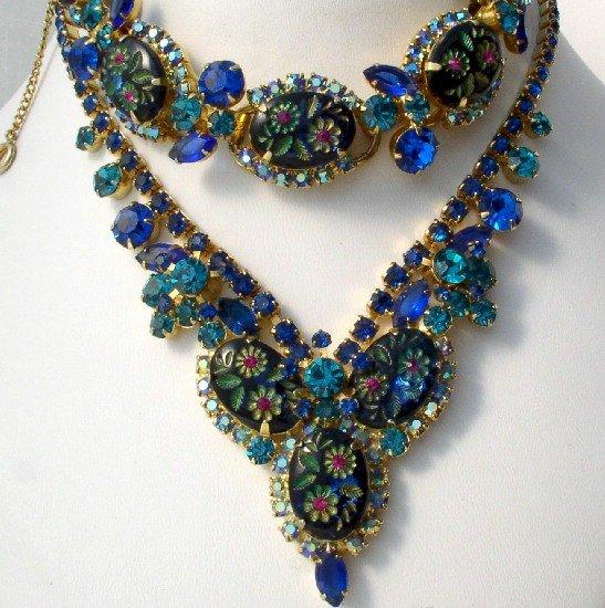 D&E JULIANA Carved PRESSED Glass FLORAL BLUE Fushia NECKLACE BRACELET Demi