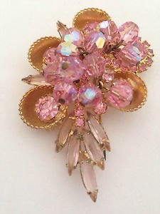 Juliana 1960s Pink Bead And Rhinestone Cup Brooch Book Piece