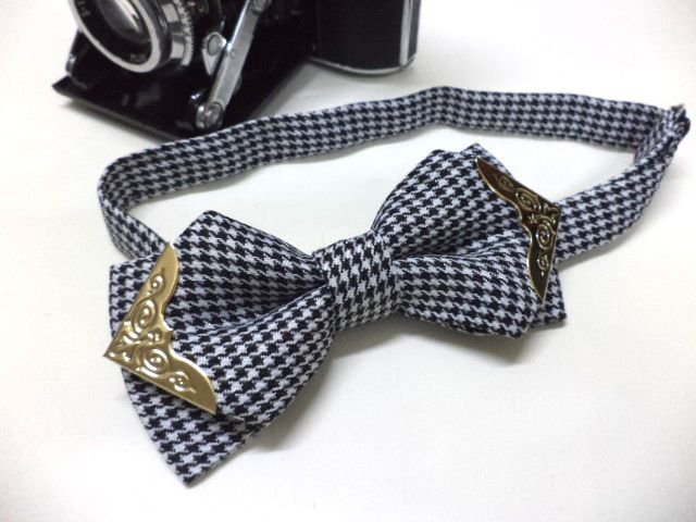 Black and White Houndstooth bow tie with gold colour metal tips ,wedding,pre-tied