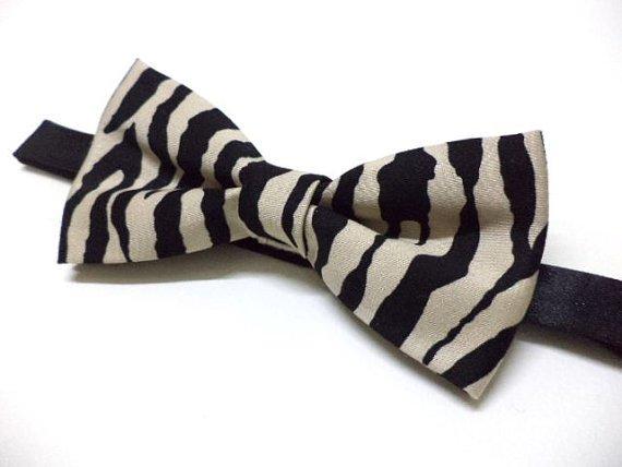 Zebra print bowtie ( black & beige ), animal print mens bow tie, wedding,party,groom,pre-tied