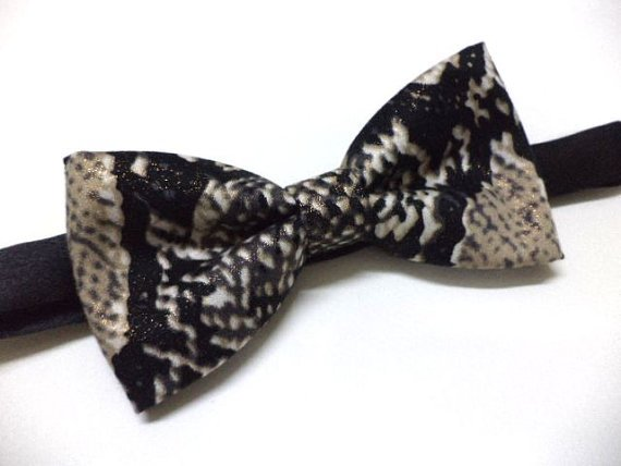 Snakeskin print bow tie( black & brown),men bowtie,animal print bow tie,pre-tied