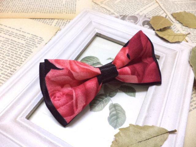Rose print bow tie, men's floral bow tie,wedding, groom, pre-tied bowtie