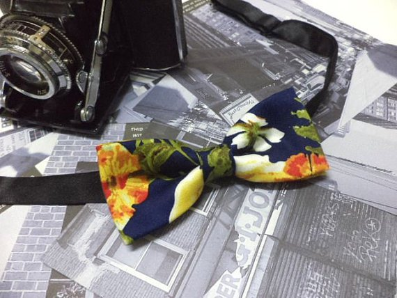 Navy blue floral bow tie,men,skinny bow tie,retro,vintage style,pre-tied bowtie