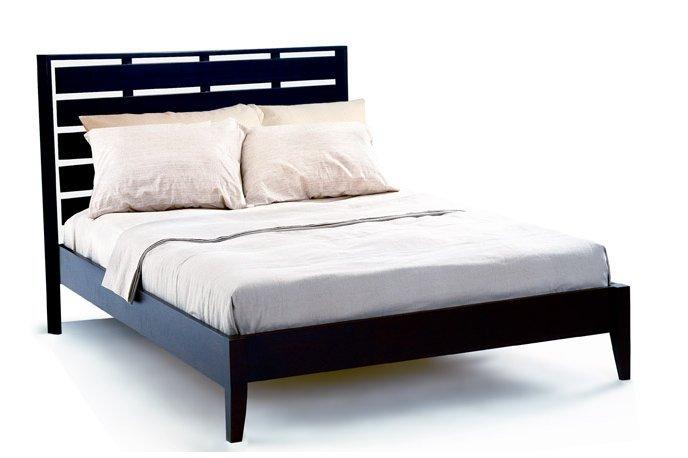 Remington queen size platform bed