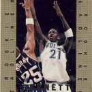 1995/96 - Kevin Garnett - NBA Basketball - SkyBox- NBA Hoops - Rookie Headliners - Card #4 of 10