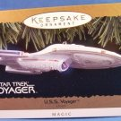 1996 - Hallmark - Keepsake Ornament - Star Trek Voyager - Chistmas Ornament