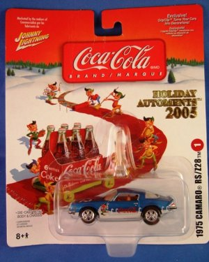 2005 - Johnny Lightning - Coca Cola - Holiday Automents 2005 - 1975 Camero RS-Z28 - Die-cast Metal
