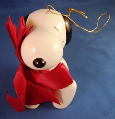1987 - Charlie Brown - Ceramic - Snoopy - Maroon Bow - Christmas Ornament