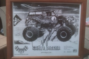 Dennis Anderson Driver GRAVE DIGGER MONSTER TRUCKS Autographed & Unframed 8x10 W/COA