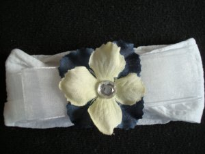 Chelsea BOW/Blue and Cream on White Band