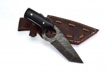 Skinner Made of Damascus Knife with Buffalo on Handle