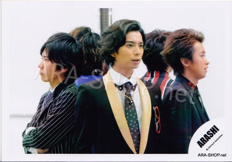 SHOP PHOTO - ARASHI - 2010 Troublemaker [PV] #323