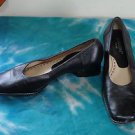 EUC - RANGONI, Made in Italy, Black Leather Low Heel Shoes/Pumps - Size 6 B
