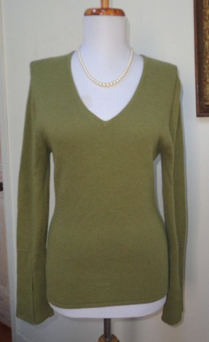 EUC - SUZANNE SOMERS Heather Moss Green 100% Cashmere V-Neck Sweater - Size XS