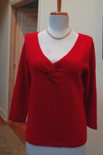 EUC -GARFIELD & MARKS True Red 100% Cashmere Twist-Front V-Neck Sweater - Size S