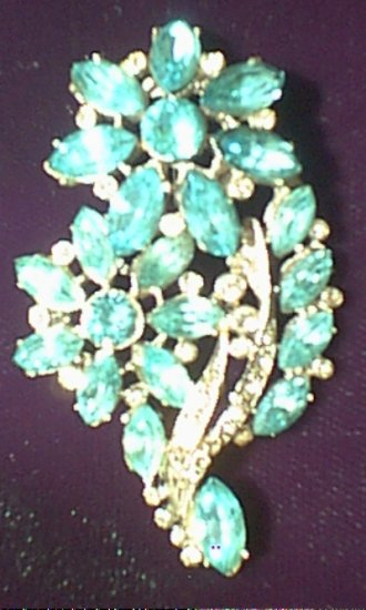 Blue Floral Broach / Pin - Unsigned c.1960