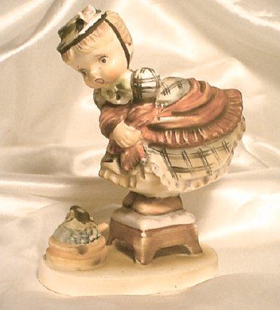 ESD Japan - Little Miss Muffett Figurine