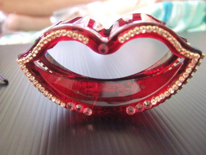 Lip (H006)
