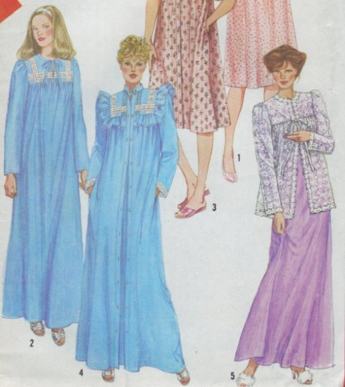 Simplicity Pattern #5330 ~  Nightgown & Robe or Bed Jacket Size Small