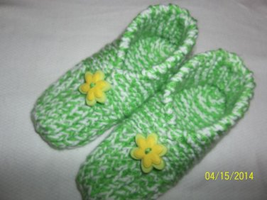 Women's Green/Yellow Flower Handknitted Slippers Size M (7 1/2-9)