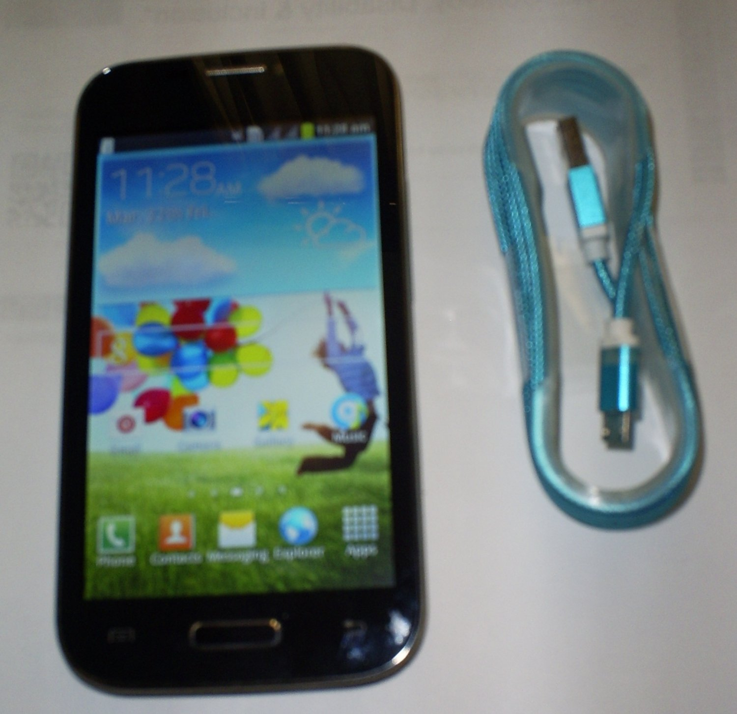 Lightahead LA9500 Dual SIM (Unlocked) Smartphone with USB cable