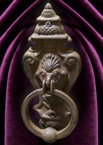 Cast Iron Gothic Style Lion Doorknocker Wall Decor -11611
