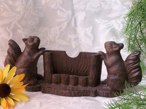 Cast Iron Squirrel Business Card Holder Home/Office - 07649