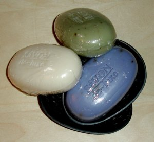 Savon deluxe soap set with dishes