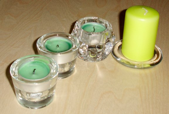 miscellaneous candle holders set