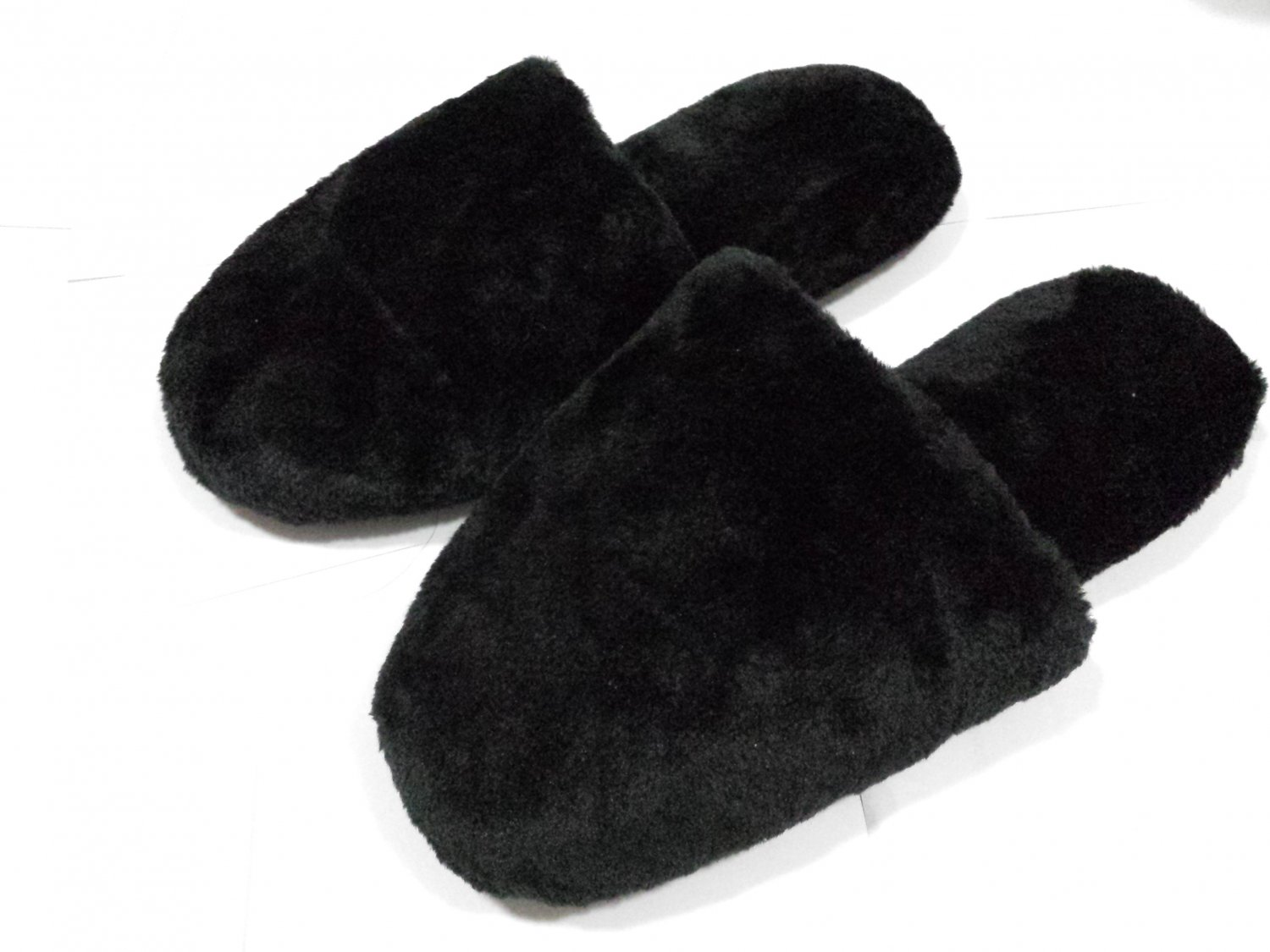 Men Plush Slippers Black NEW $9.99