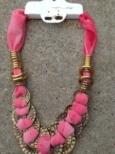 Coral Color Necklace W/ Antique Gold~~Perfect Summer Necklace!! BRAND NEW WT!!