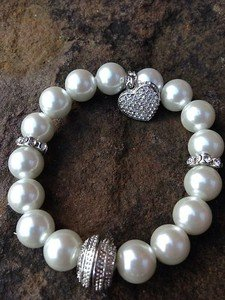 White pearl bracelet Glass Pearls with heart made with Swarovski Crystals!! CUTE