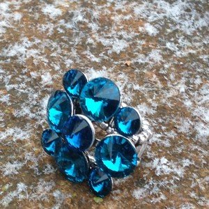 Turquoise Crystal Stretch RING~CUTE FLOWER Silver Color ~STUNNING! Never Worn!!