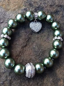 Green pearl bracelet Glass Pearls with heart made with Swarovski Crystals!! CUTE