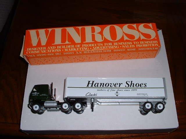 HANOVER SHOE # 1...Hanover, Pa..1991 Winross truck--DE...made in USA