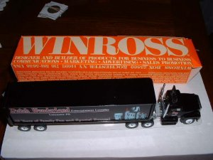 Dutch Wonderland truck 1----1988 Winross --made in  USA--RH