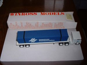 Leaseway Transportation....1985  Winross truck--made in USA---CX