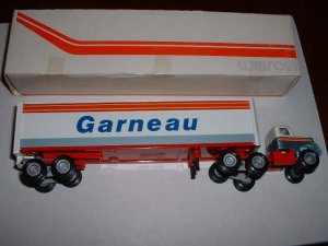 Garneau--1981 Winross  truck--made in USA......RD