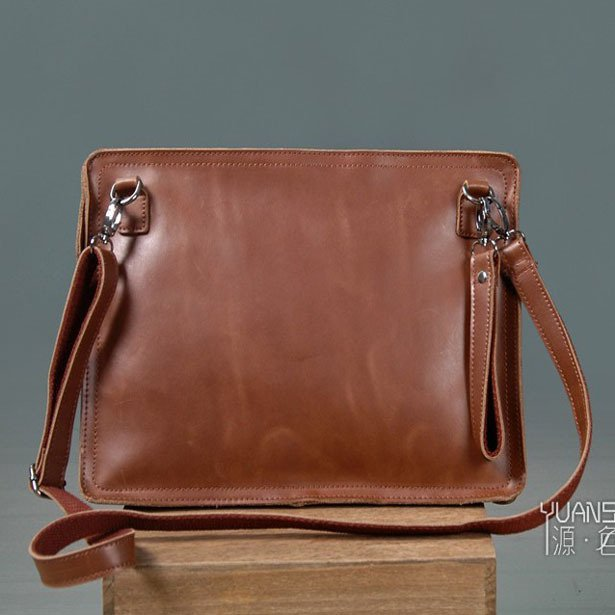 Men's Envelope Clutch Bag Genuine Cowhide Leather Messenger Bag Shoulder Bag in Brown