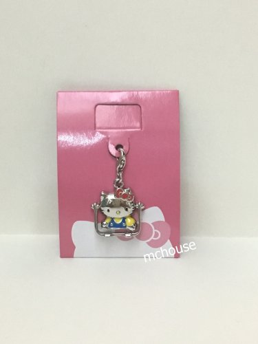 7-11 HK Sanrio 35th Hello Kitty Charms Pendant Collection Tabletop Mirror