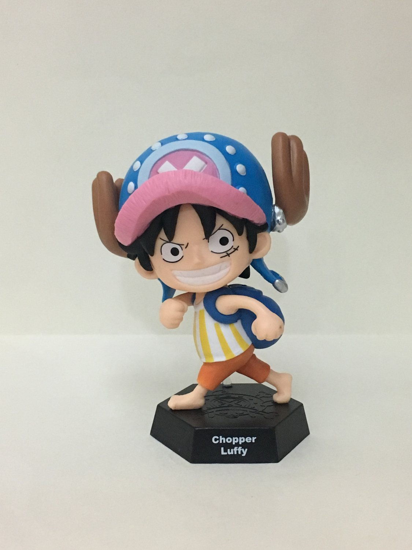 7-11 HK One Piece 2016 Chopper World Figures Chopper Luffy