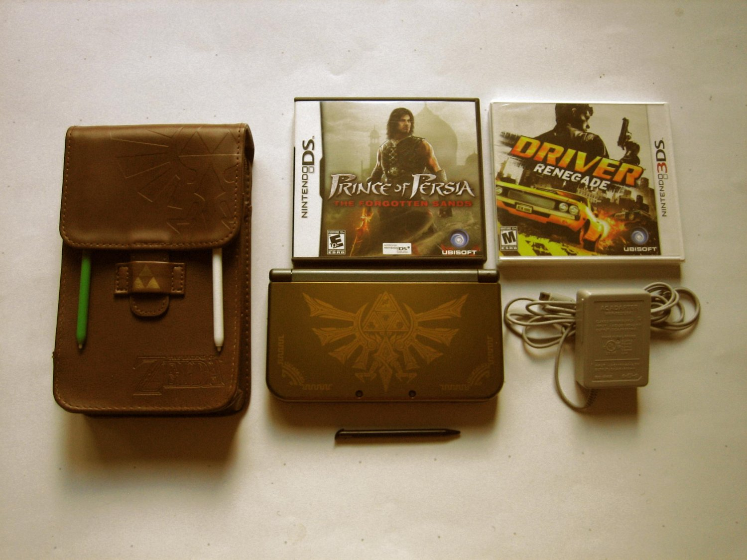 Gold  Nintendo New 3ds xl Hyrule Special Edition w Driver Renegade & More!