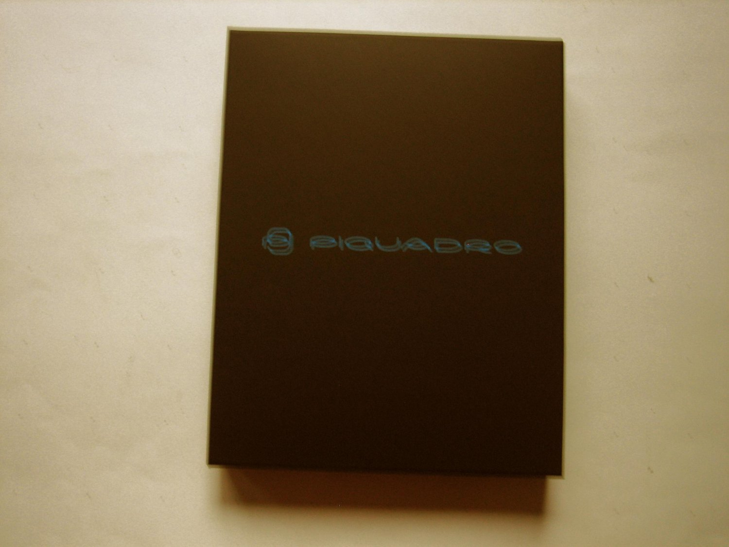 New Piquadro iPad Air Leather Case With Shoulder Strap Gray/Taupe